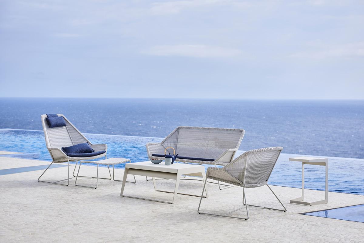 Lean-chair-go-café-table-2