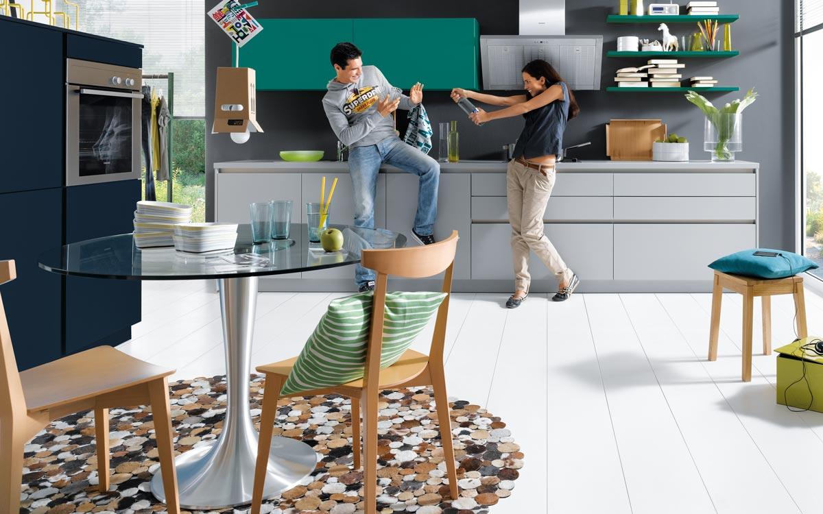 Küche in Grau und Pettrol